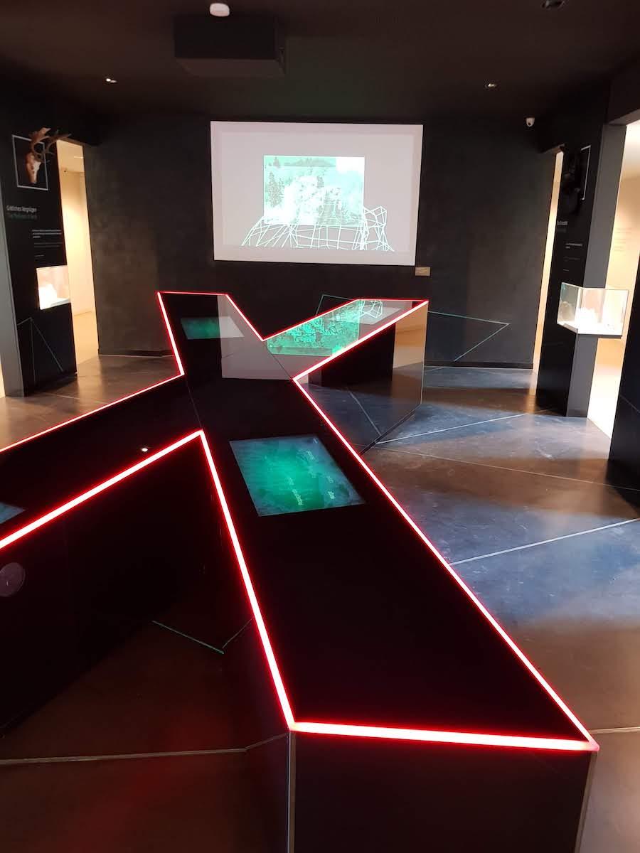 """""""Medialea X"""": Herzstück des Besucherzentrum der Externsteine"""