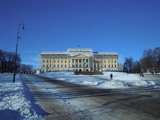 Das Königliche Schloss in Oslo im Winter