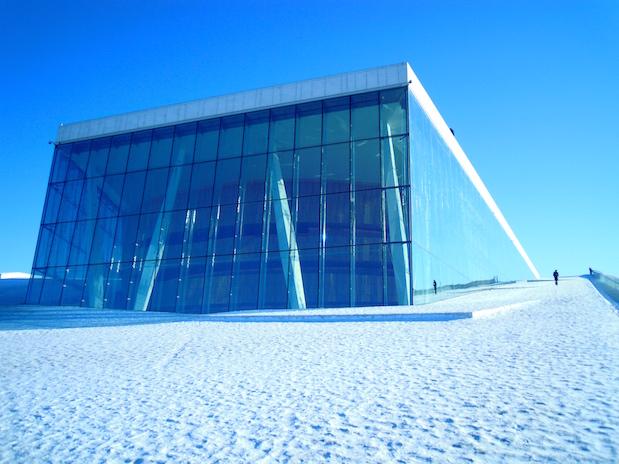 Oslo im Winter: Die Osloer Oper in Eis und Schnee