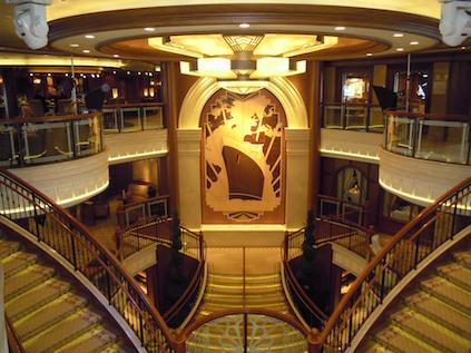 Queen Elizabeth Dresscode & Atmosphäre an Bord