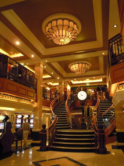 Diese Treppe erinnert an die Titanic