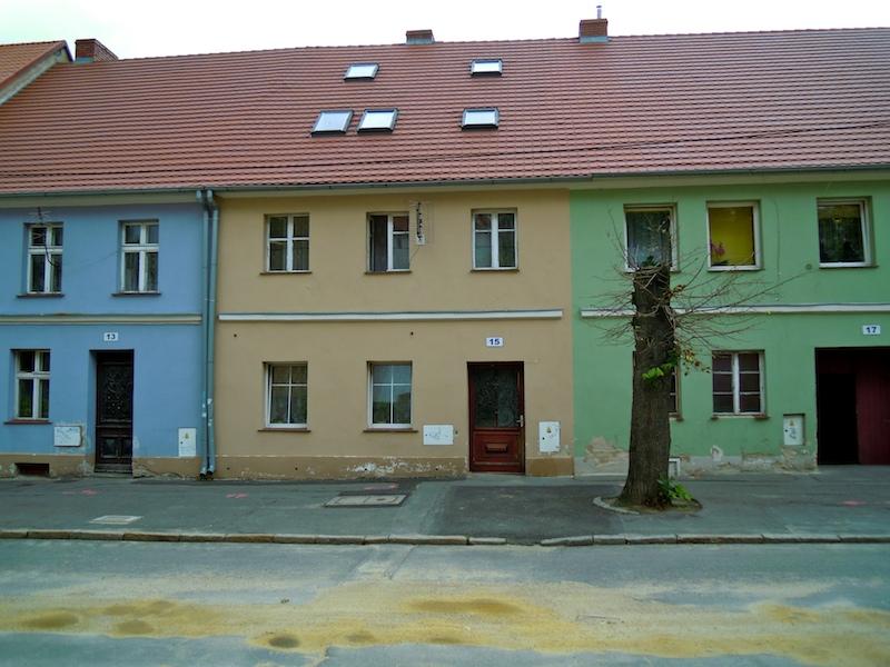 Farbenfrohe Häuser in Zobten am Berge (Sobotka) in Schlesien