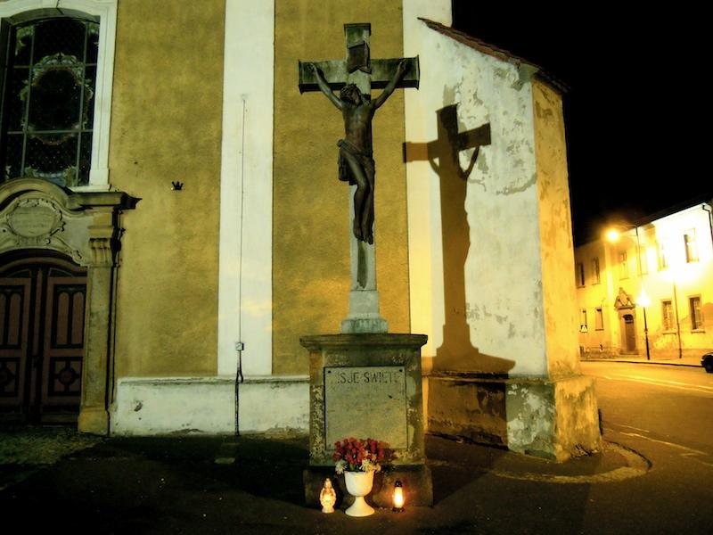 Jesus-Statue vor der Kirche in Zobten am Berge, Schlesien