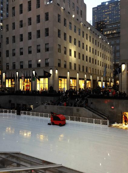 Kurzer Stopp bei der Eisbahn am Rockefeller Center