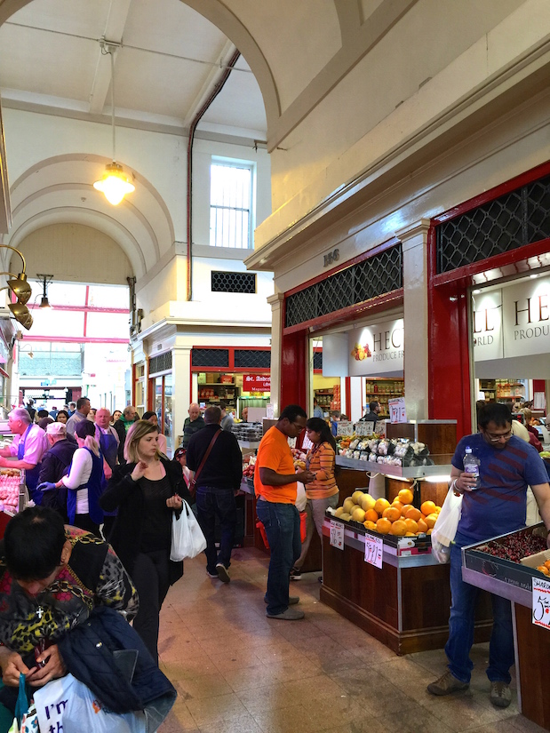 Grainger Market in Newcastle: Überdachter Markt mit Metzgern, Bäckereien, Obst- und Gemüdeläden