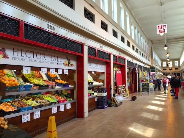 Spezialitäten-Geschäfte im Grainger Market in Newcastle