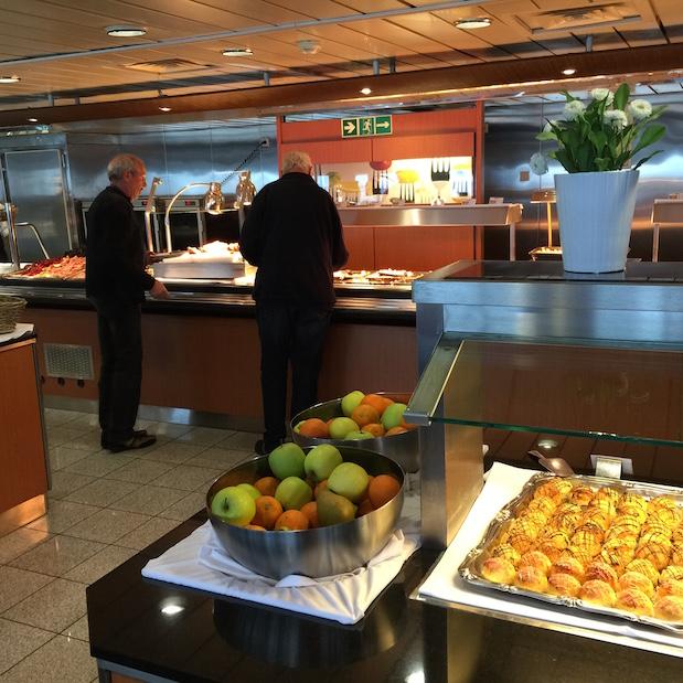 Buffet-Restaurant auf King Seaways - DFDS Minikreuzfahrt