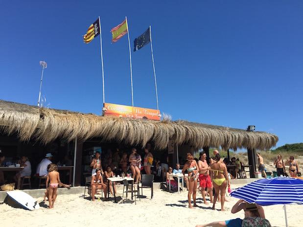 Mallorca schwul: Strandbar am Strand von Es Trenc