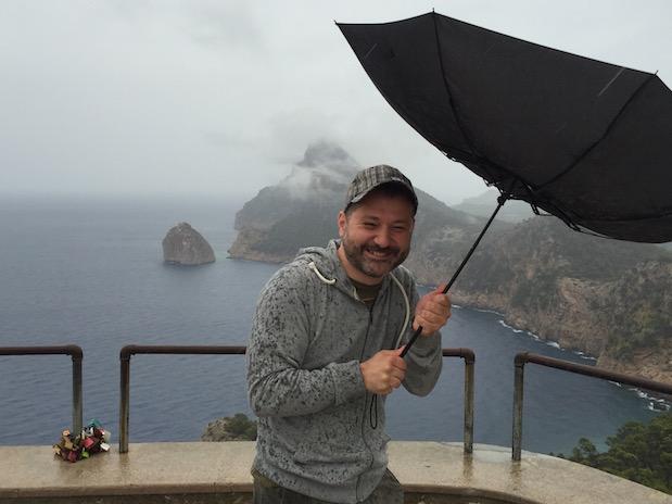 Sturm auf Mallorca: Starker Wind am Mirador de Mal Pas