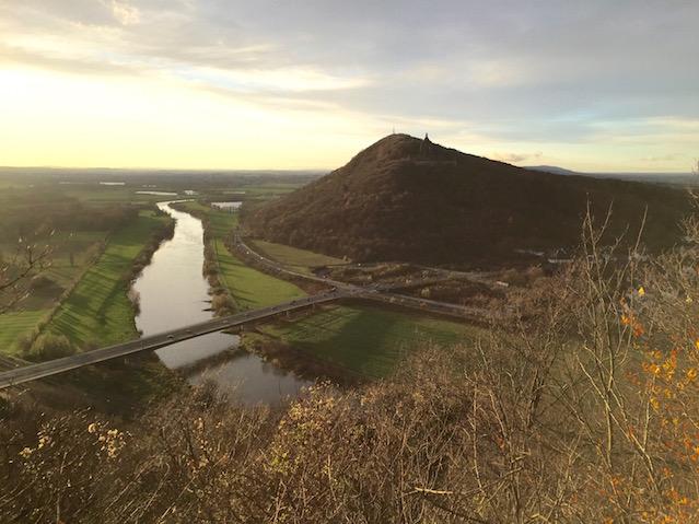 Blick von der Porta-Kanzel auf die Weser und das Wilhelmsdenkmal