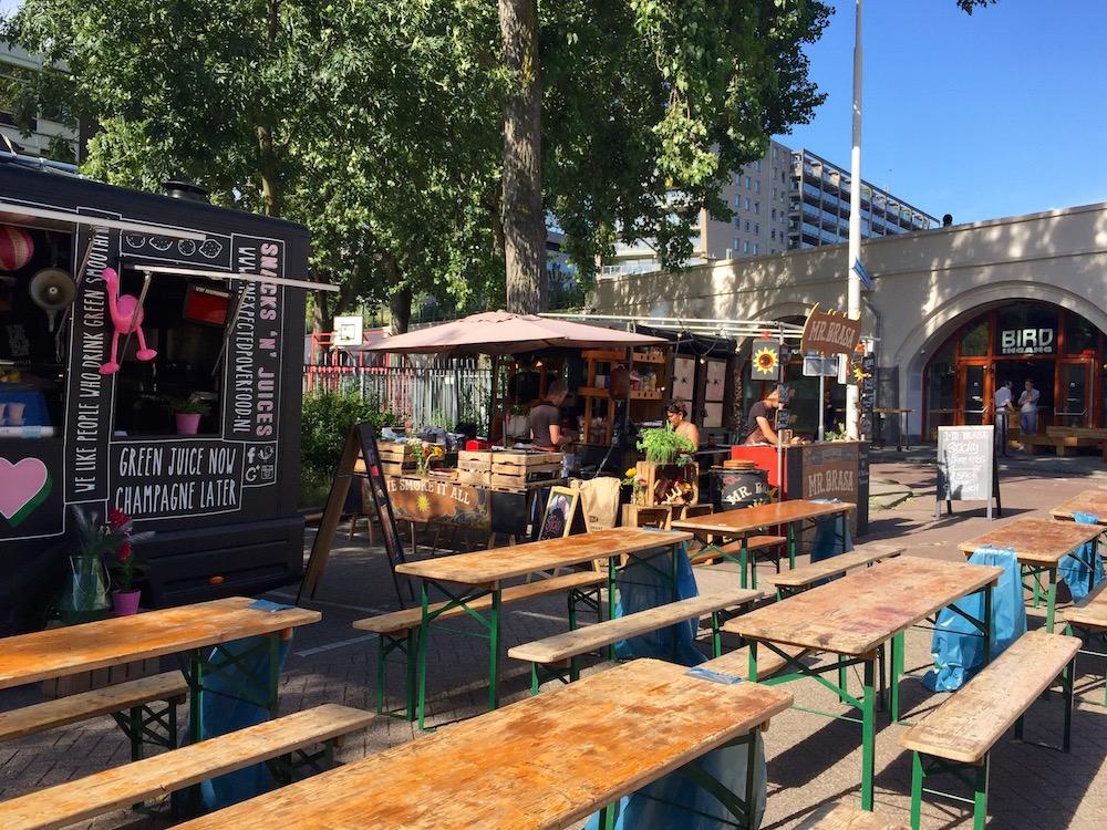 Hofbogen Rotterdam: Street Food Trucks und Clone Records