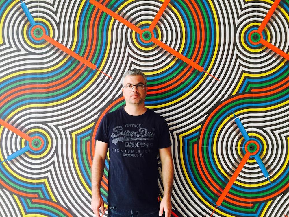 Selbstportrait als Reiseblogger im Museumpark Rotterdam
