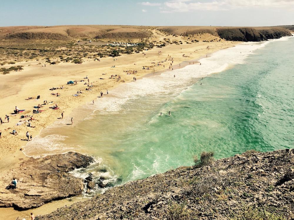 Beim Playa Mujeres am Papagayo Beach in Playa Blanca auf Lanzarote soll es sich um eine Cruising Area für Gays handeln