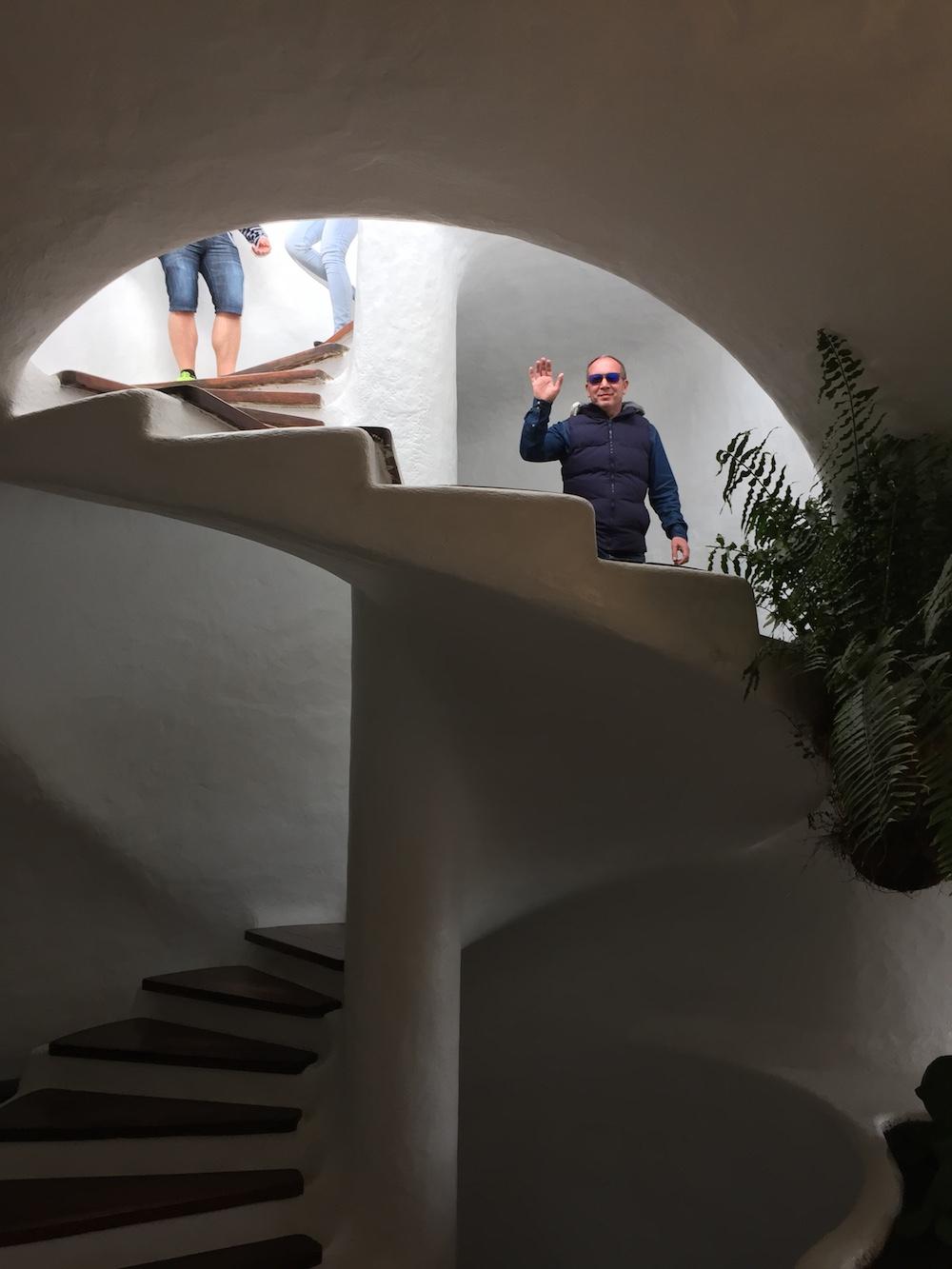 Die offene Wendeltreppe führt zur Aussichtsplattform