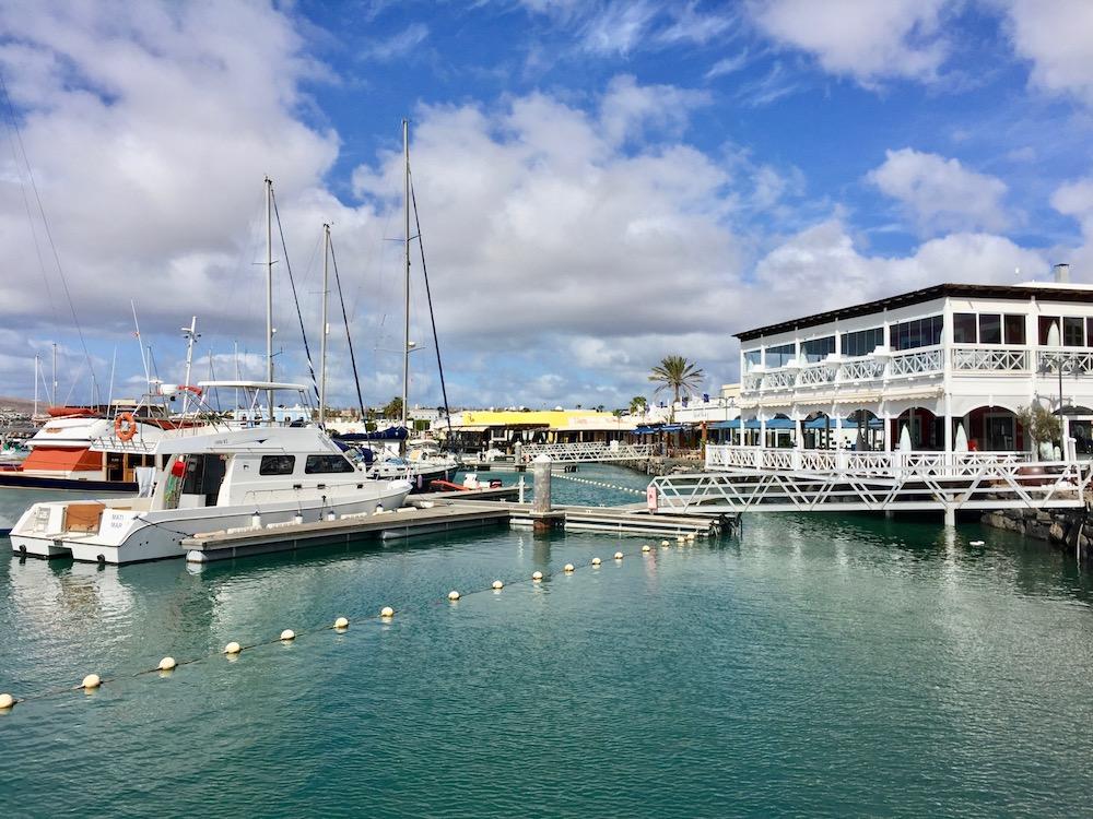 Segelboote im Yachthafen Marina Rubicon auf Lanzarote