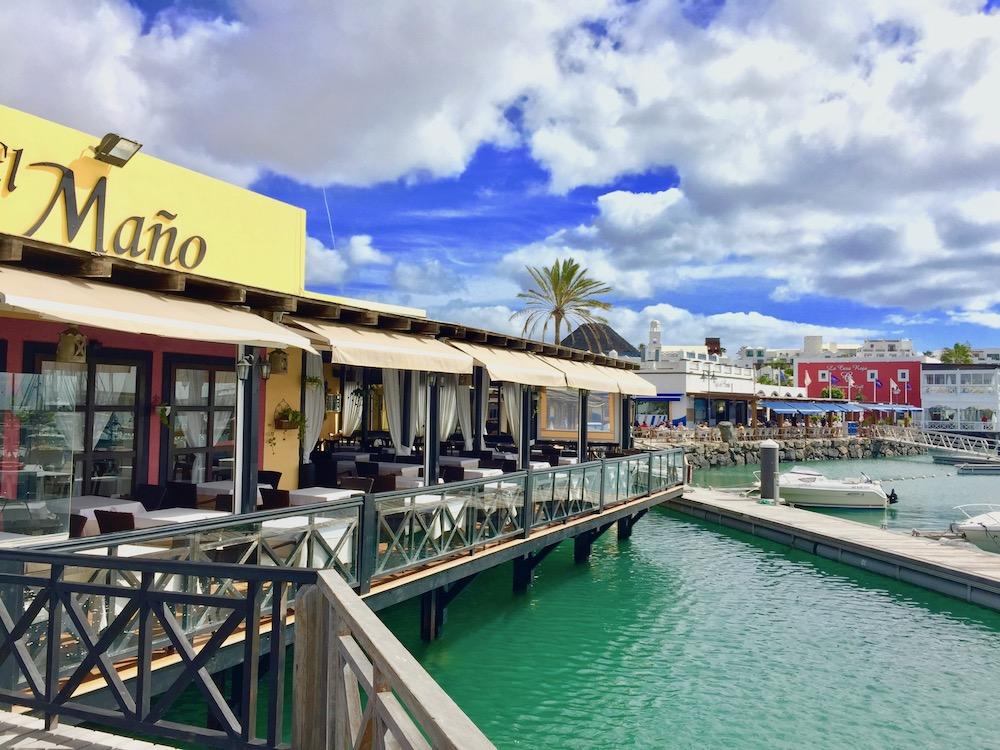 Restaurants im Yachthafen von Playa Blanca
