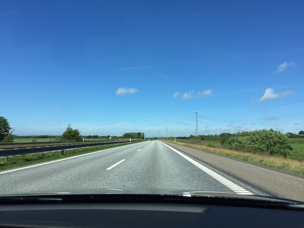 Auf der Autobahn in Dänemark lässt es sich sehr entspannt fahren