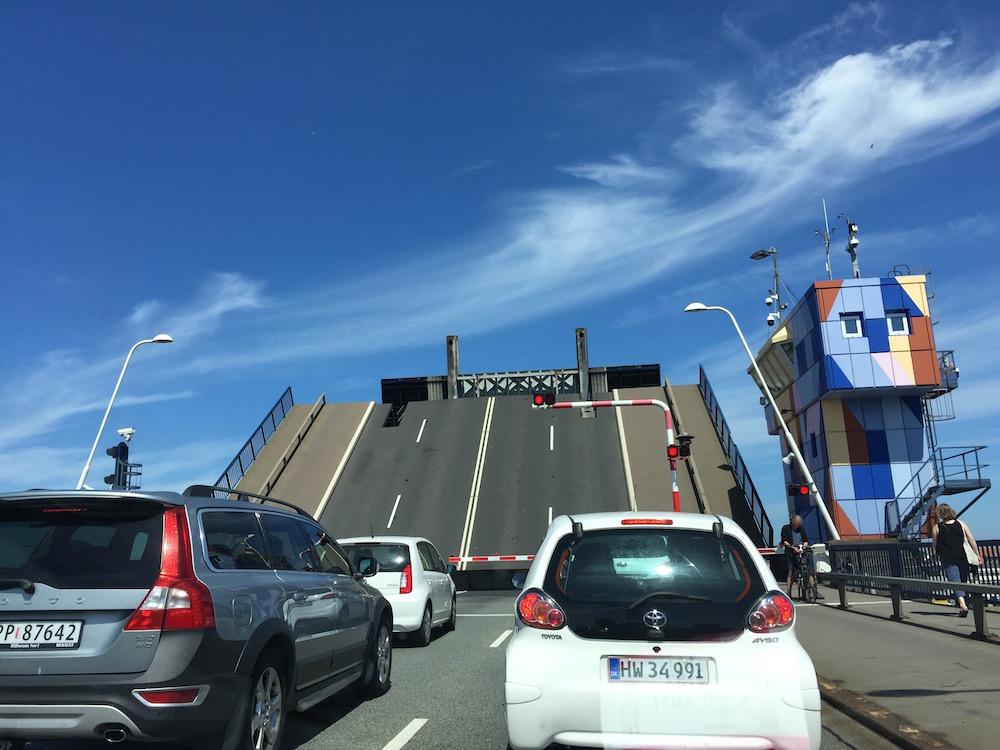 Zugbrücke über den Limfjord zwischen Aalborg und Nørresundby
