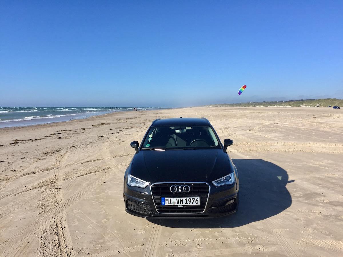 Am Saltum Strand darf man sogar Auto fahren