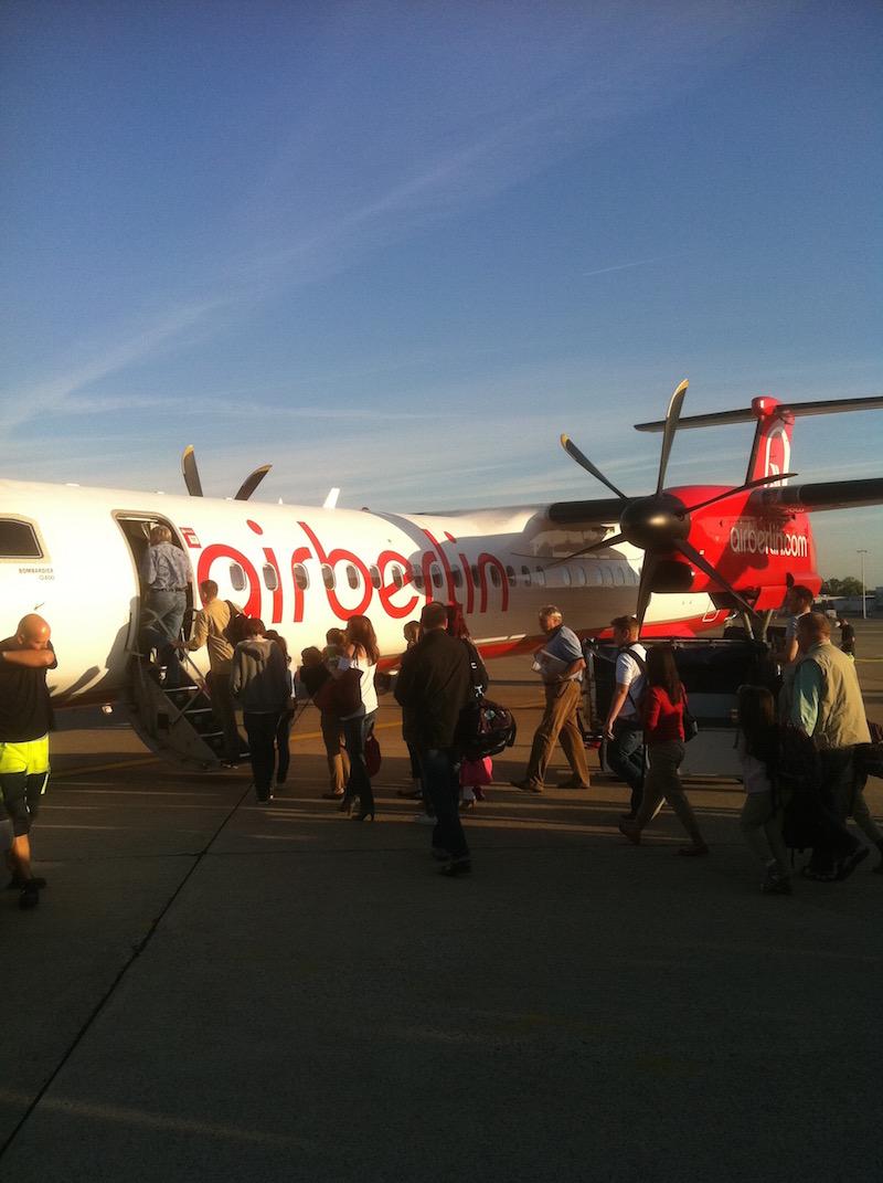 In einem Propellerflugzeug der Air Berlin von Hannover nach München