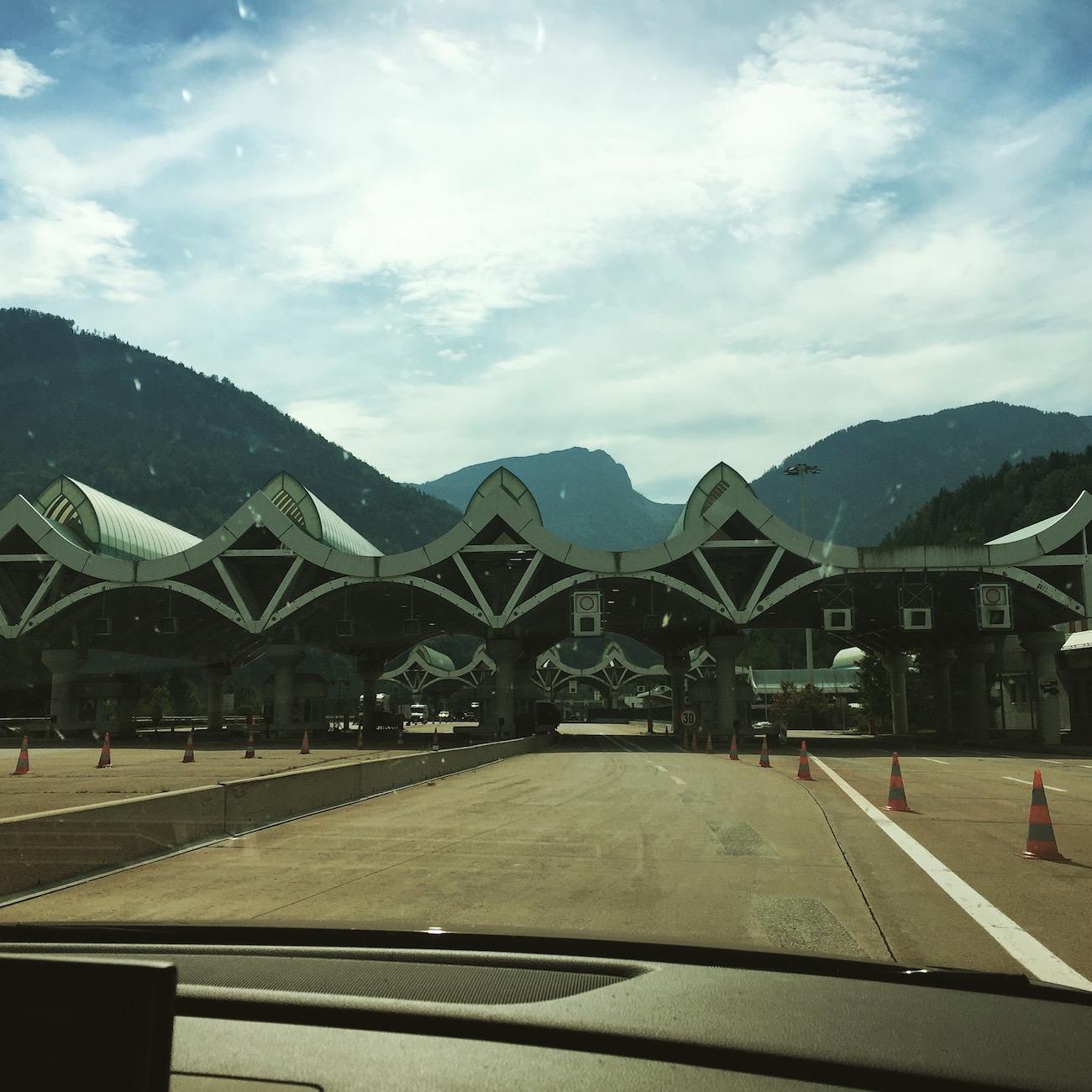 Mit dem Auto nach Kroatien fahren: Grenze zwischen Österreich und Slowenien