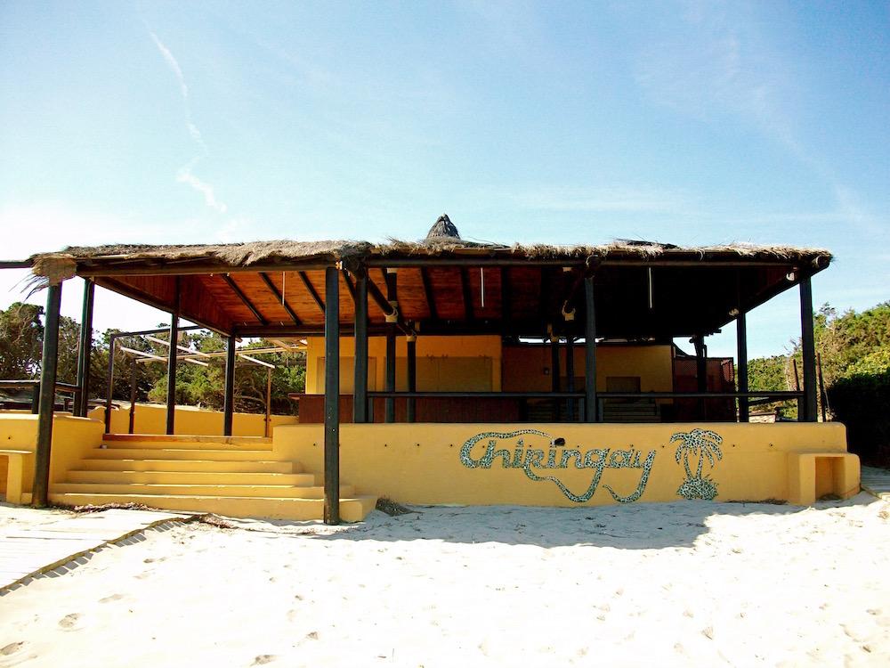 """Chiringay - Schwulenfreundliche Bar am Ibiza Gay Beach """"Es Cavallet"""""""