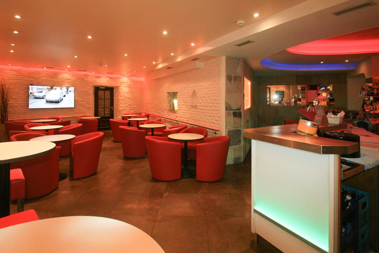 Im Erdgeschoss der Münchener Gaysauna befinden sich die Lobby und der Gastrobereich