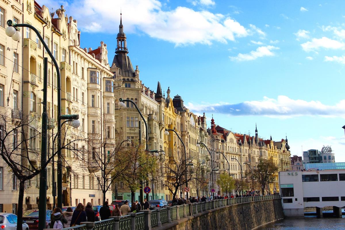 Prag bietet eine Vielzahl an Gay Clubs, Bars und Gaysaunen