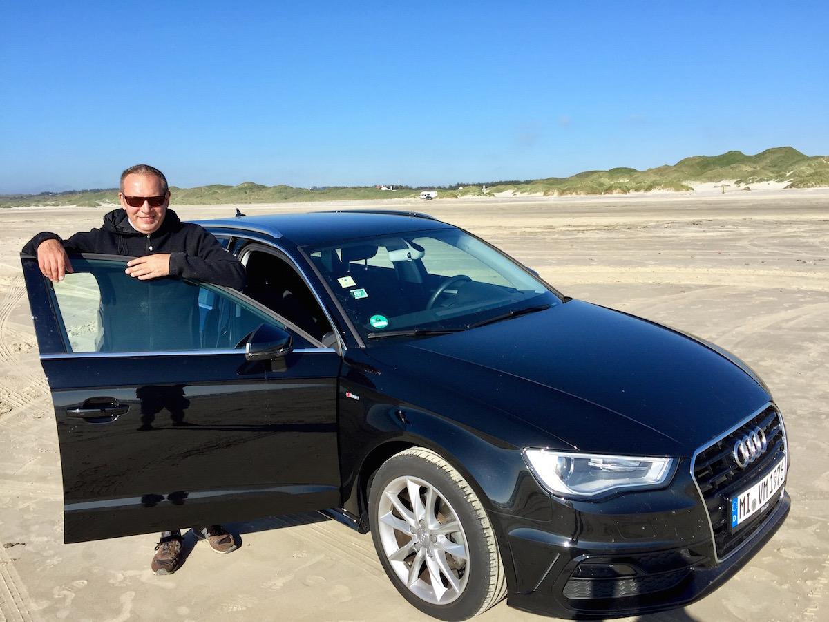 Im dänischen Saltum darf man den Nordsee-Strand mit dem PKW befahren