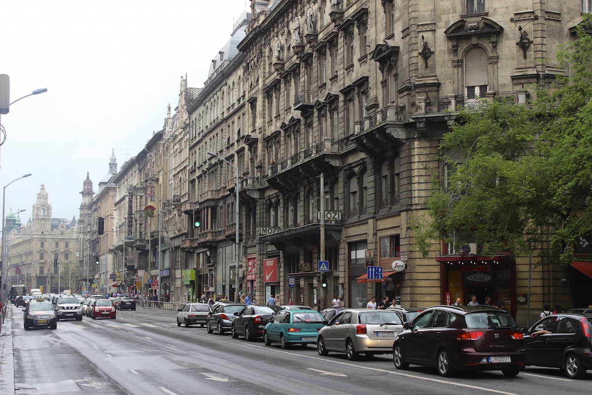 Schwul in Budapest: Viele Straßenzüge haben ihren Ostblock-Charme bewahrt