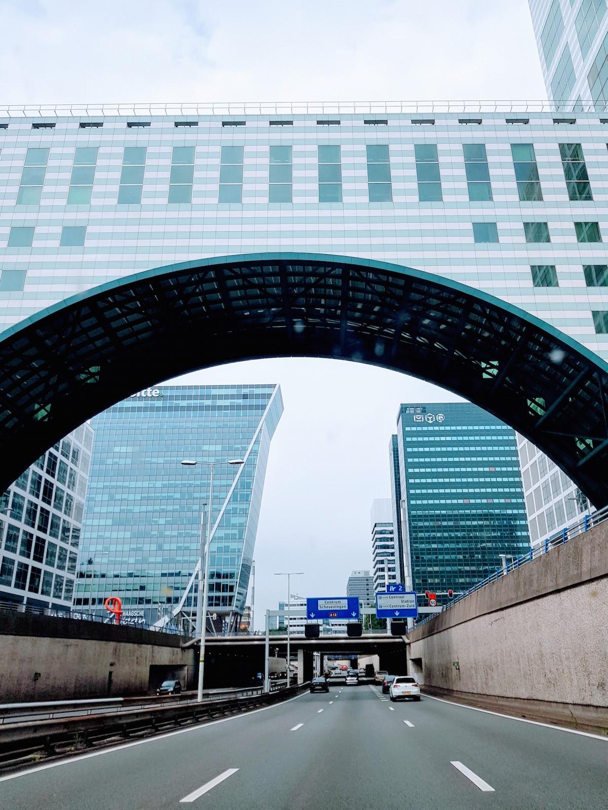 Wochenendurlaub in Den Haag: Autobahn-Tor ins Stadtzentrum
