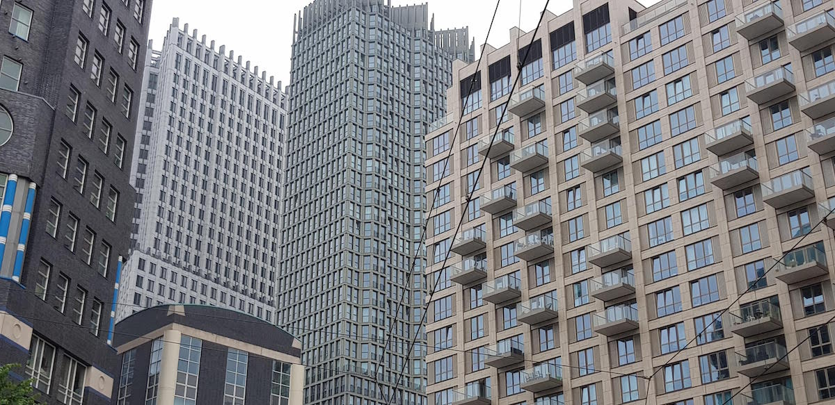 Die Skyline von Den Haag harmoniert gut mit den historischen Gebäuden