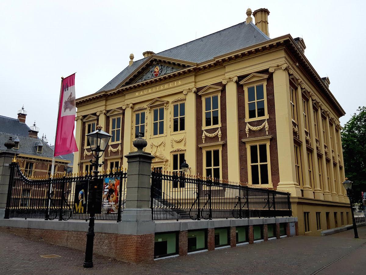 Das Mauritshuis in Den Haag zeigt Meisterwerke niederländischer Künstler