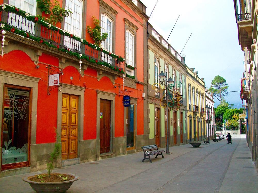 Schöne, farbenfrohe Häuser in Teror auf Gran Canaria