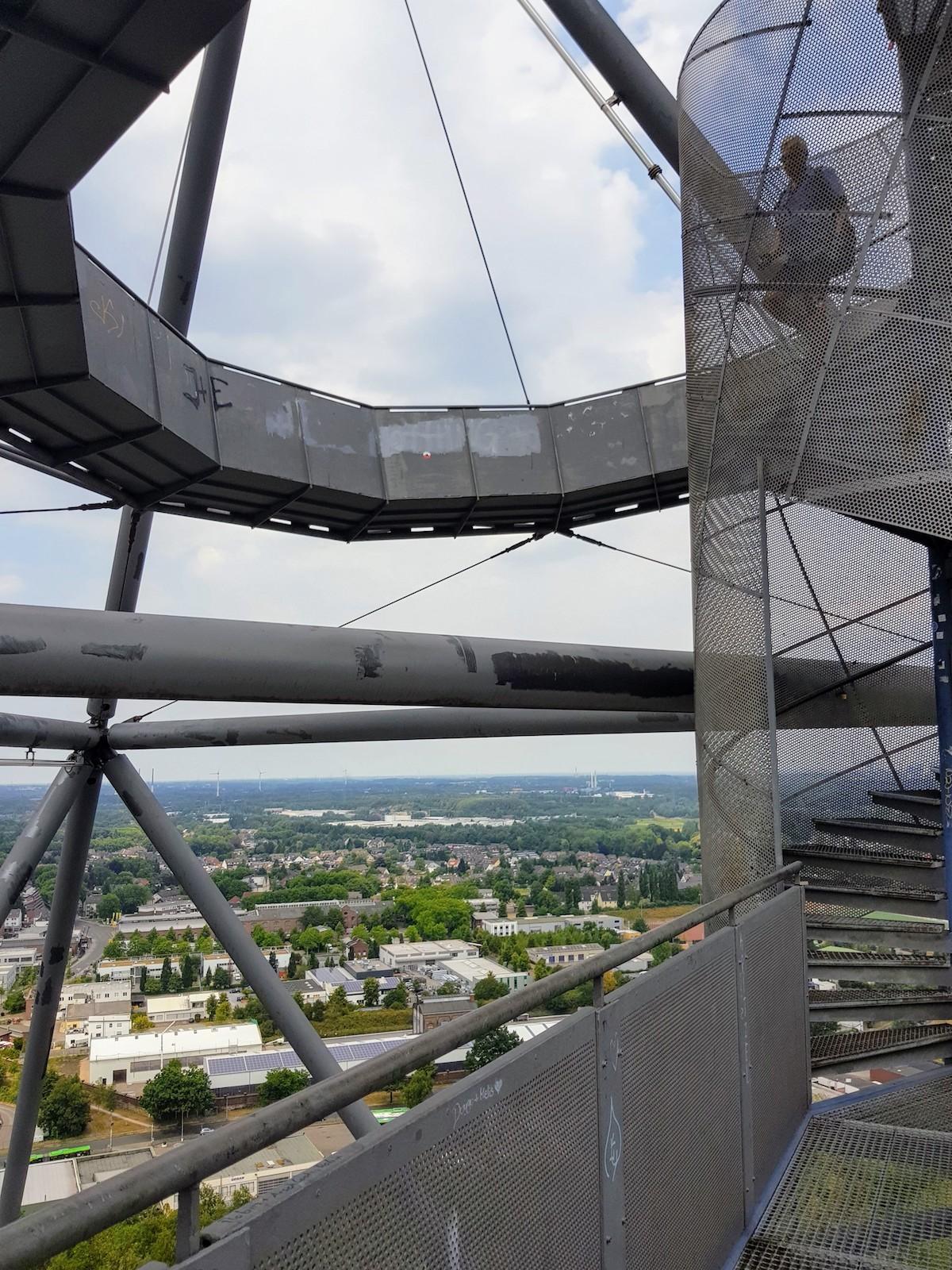 Tetraeder in Bottrop: Wendeltreppe zur obersten Aussichtsplattform