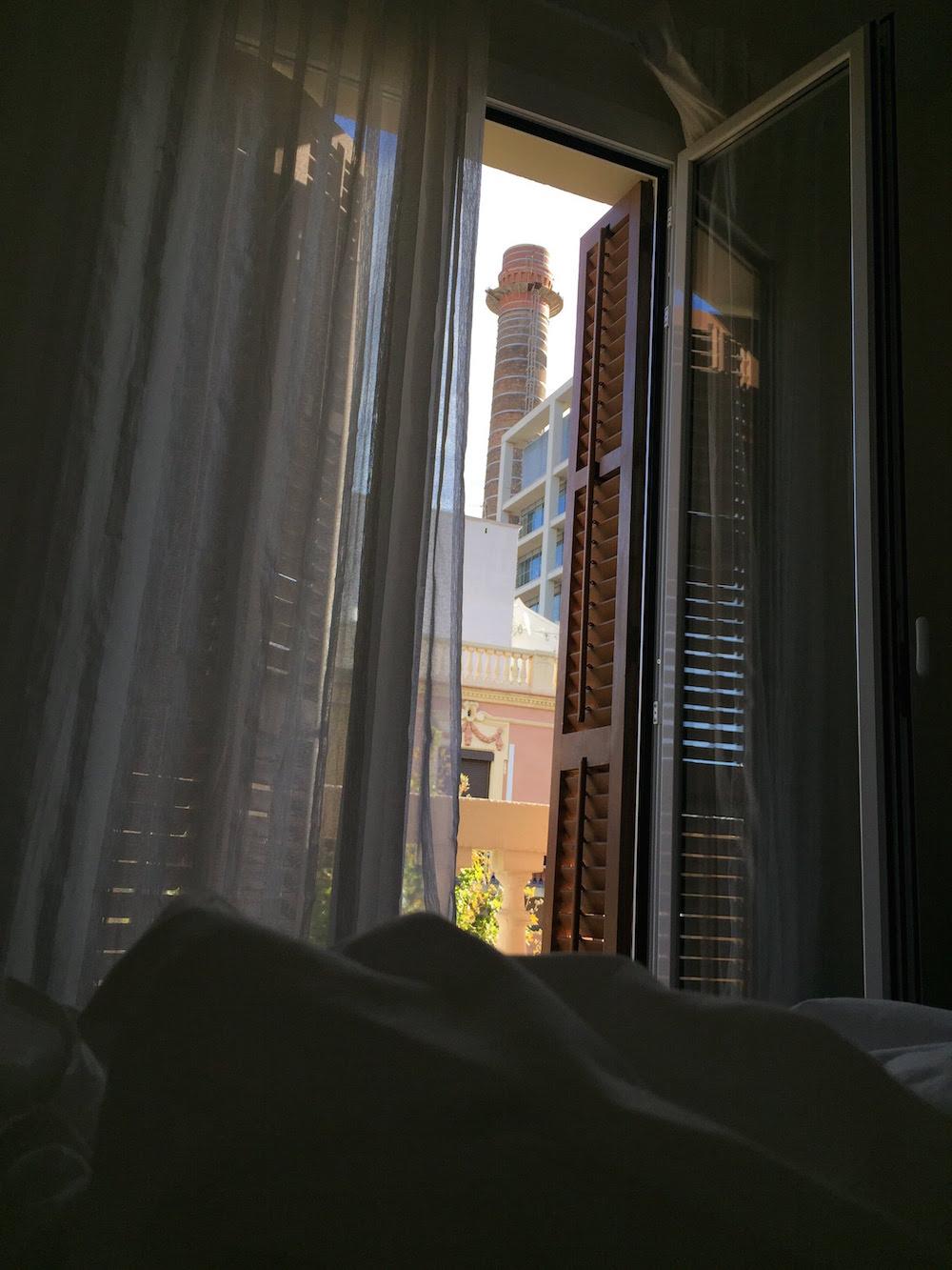 Schwuler Urlaub: Aufwachen in einer privaten FeWo