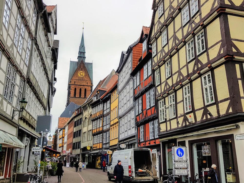 Hannover Gayreisen: In der Altstadt gibt es viele Gaykneipen und Cafés