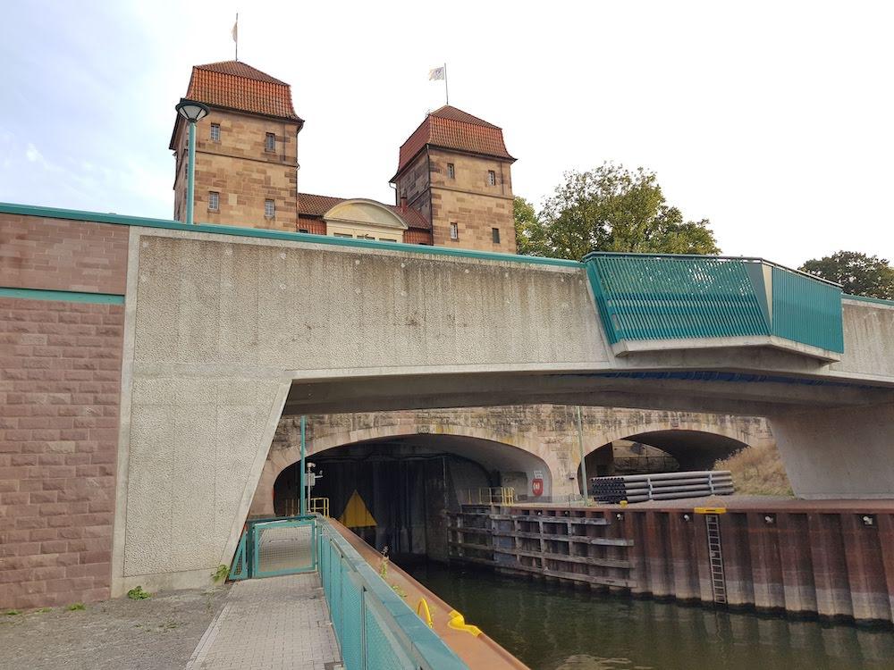 Geheimtipp unter den Ausflugszielen in NRW: Schachtschleuse und Wasserstraßenkreuz in Minden