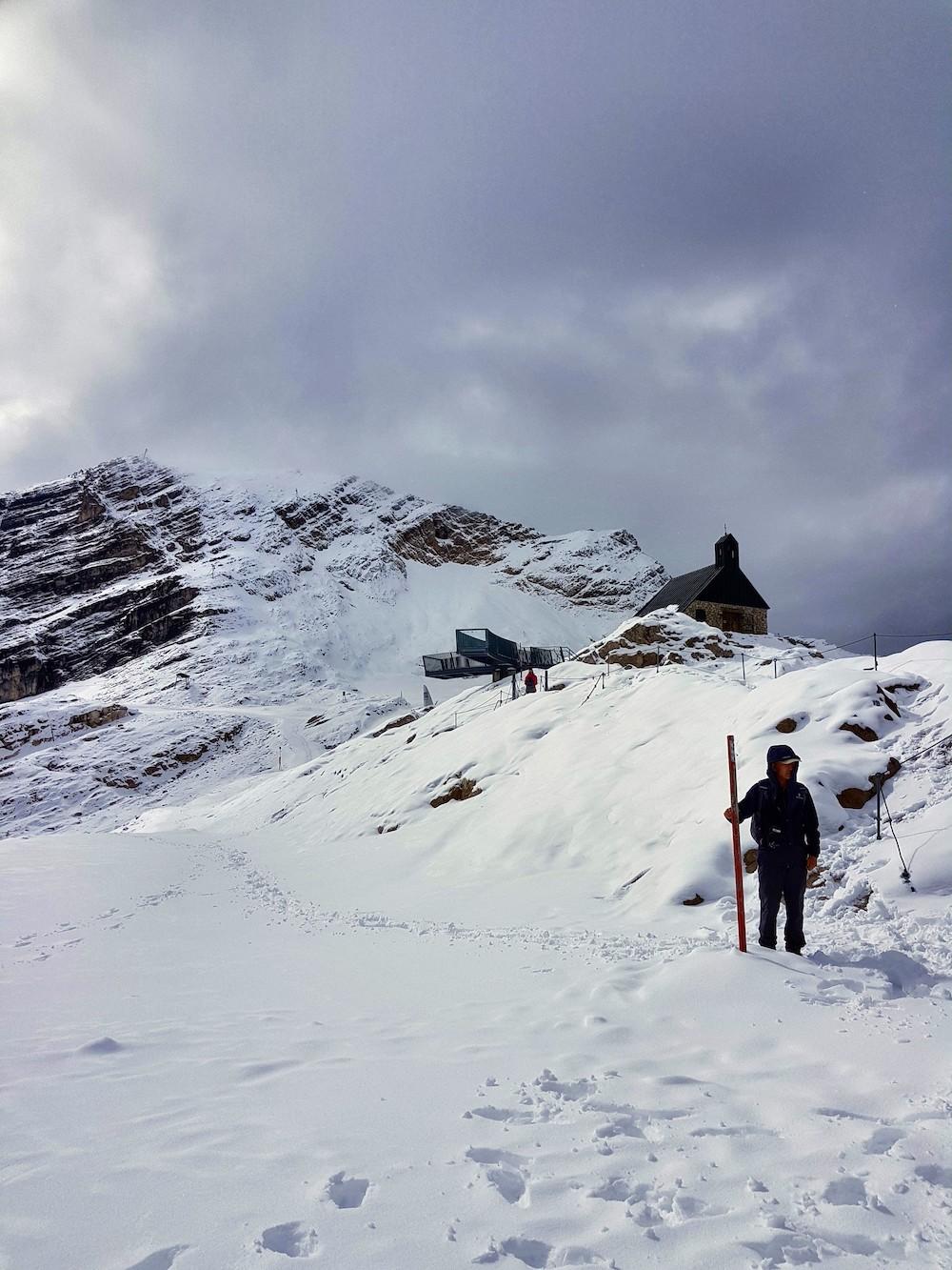 Schneewanderung auf der Zugpitze - im September!