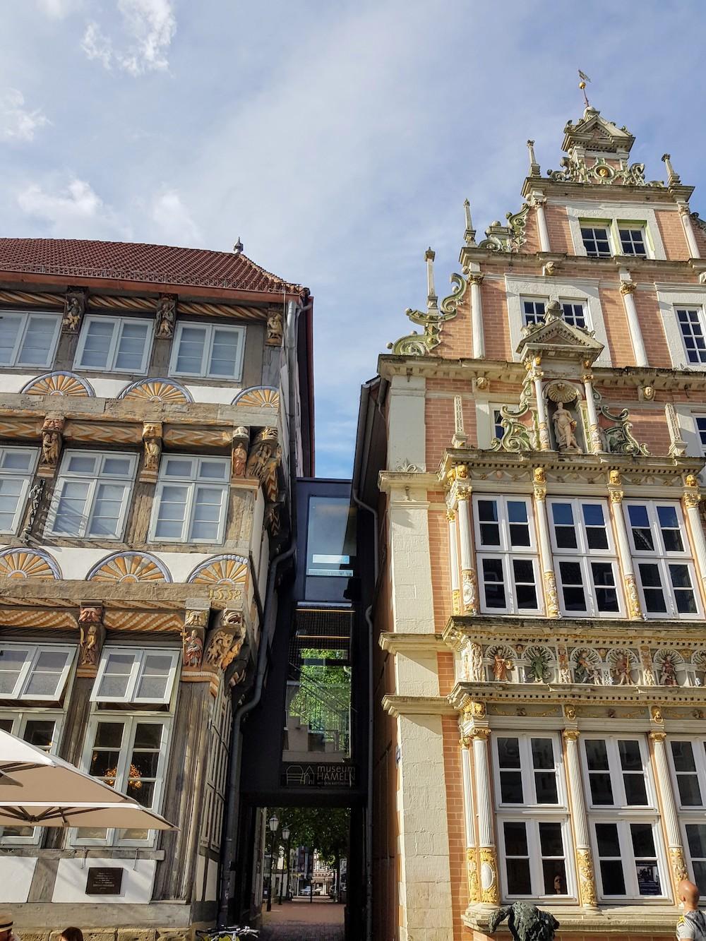 Hameln ist für seine historischen Fachwerkhäuser im Stil der Weserrenaissance weltberühmt