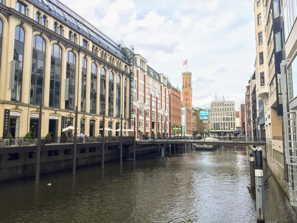 Hamburg: Die Stadt am Wasser ist ein tolles Ziel für Gayreisen in Deutschland
