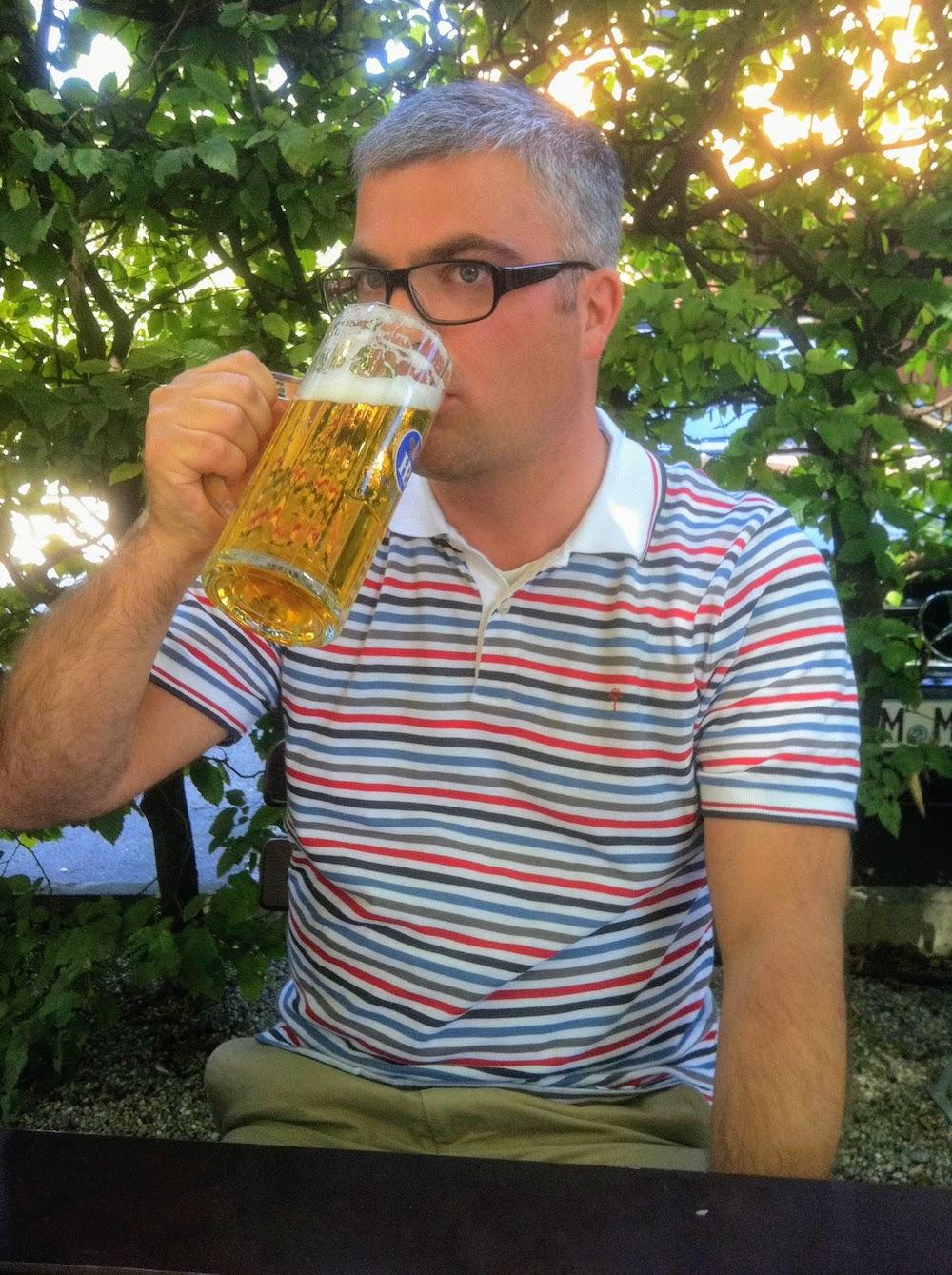 Erfrischung in einem Münchener Biergarten