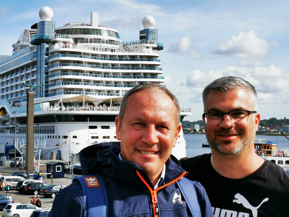 Schwules Paar auf AIDA-Kreuzfahrt: Erfahrungsbericht für Gays