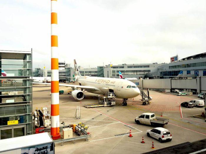 Flug mit Etihad von Düsseldorf nach Abu Dhabi (Erfahrungen)