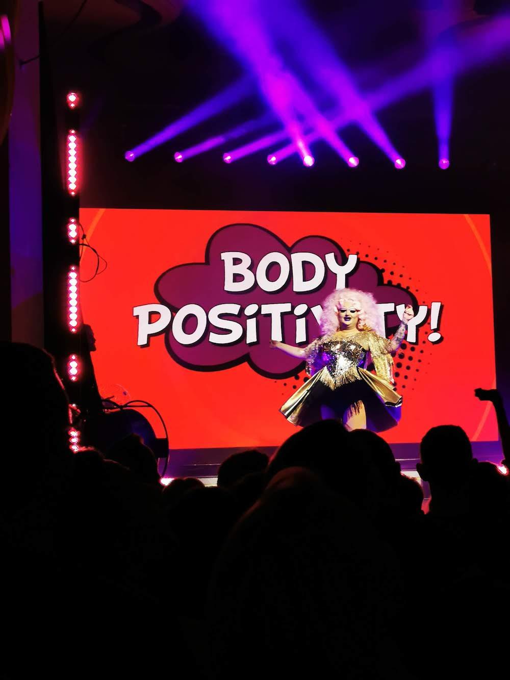 Body Positivity: Samantha Gold soll den Fans Selbstliebe vermitteln