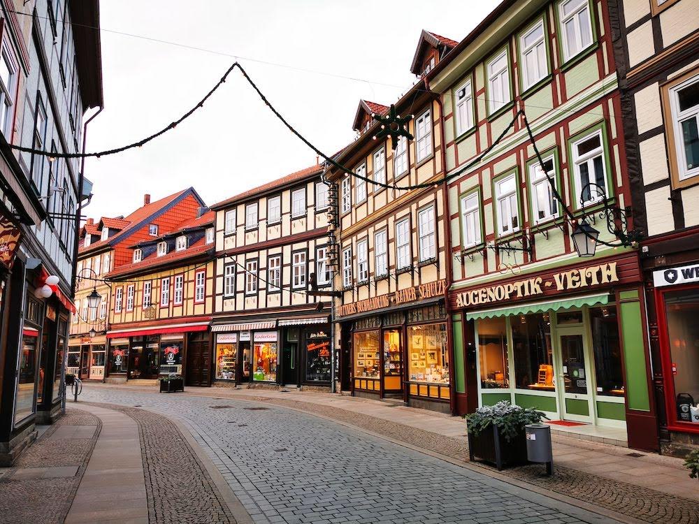 """Wernigerode wird dank seiner Fachwerkhäuser """"die bunte Stadt am Harz"""" genannt"""