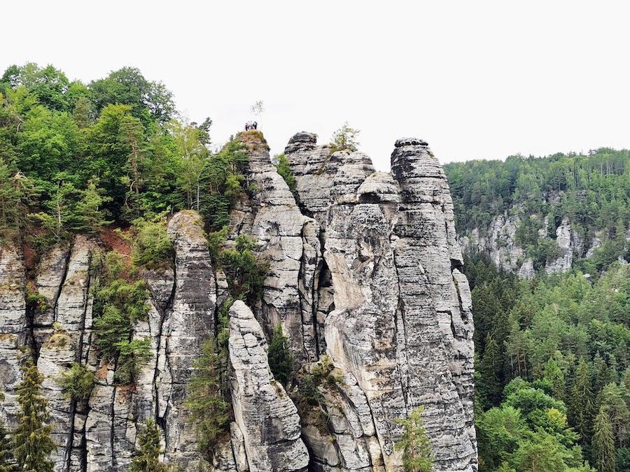 Elbsandsteingebirge: Die Bastei bietet viele tolle Aussichtspunkte & Fotomotive