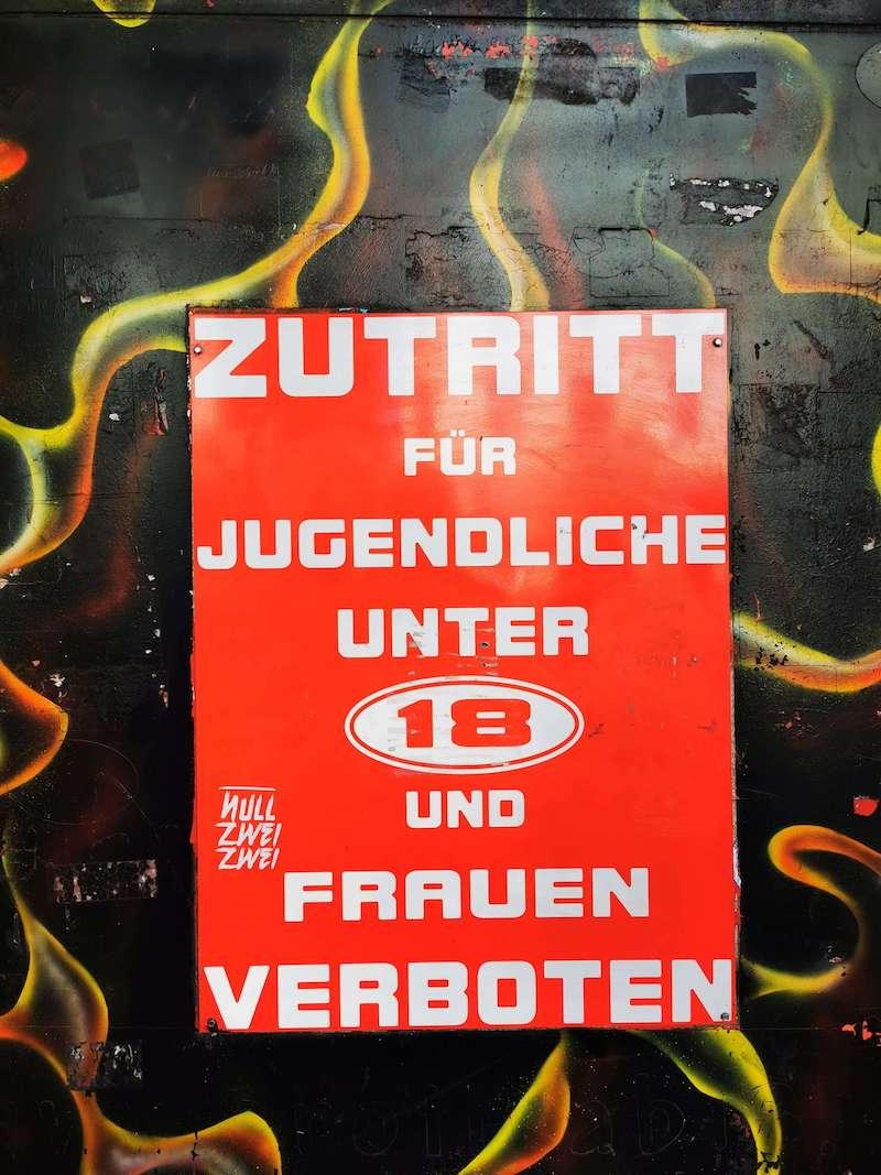 Berühmter Rotlichtbezirk in Hamburg: Die Reeperbahn mit Herbertstraße