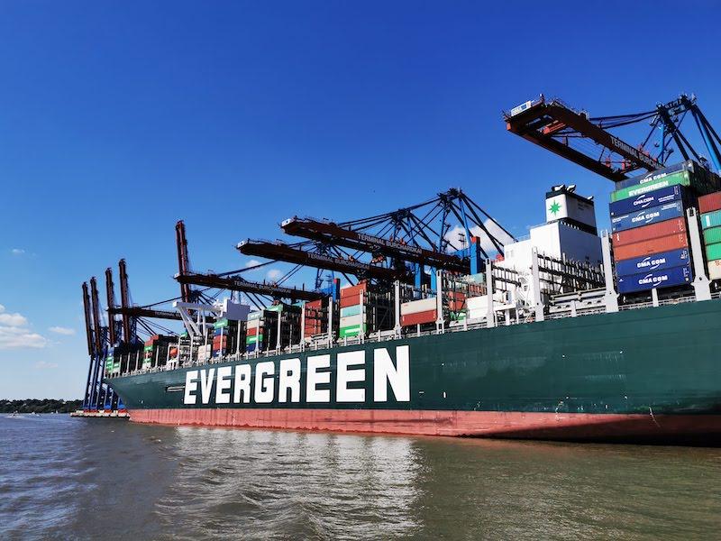 Ever Genius: Eines der größten Containerschiffe der Welt
