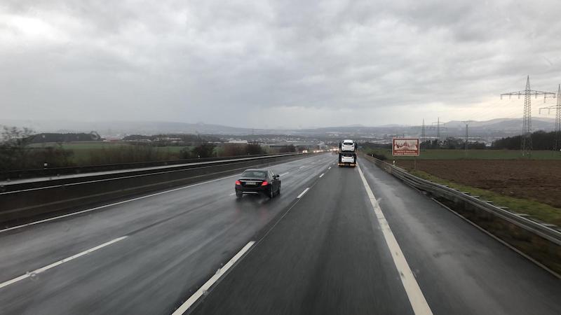 Gay LKW Fahrer: Unterwegs auf der Autobahn